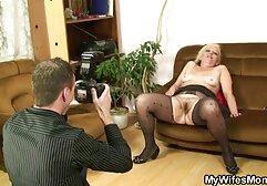 A mulher faz um longo broche ao marido 10 minutos e video sexo duas mulheres e um homem bebe esperma.