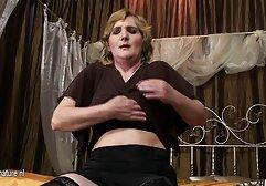 Uma vídeo pornô de mulher dançando miúda faz Cocó na pila durante o sexo
