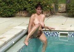 O porno com mulheres gostosas Riley Reid adora dançar o