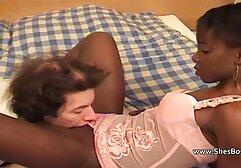 Eles partilham uma rapariga mais velha e suja. vídeo de pornô de mulher gostosa