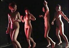 Uma muçulmana magricela anda de rabo em pau vídeo pornô de mulher com mulher