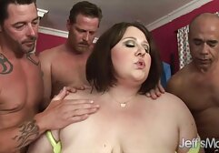 O velho professor quer foder duas mulheres nuas porno gratis jovens raparigas bonitas no seu escritório.